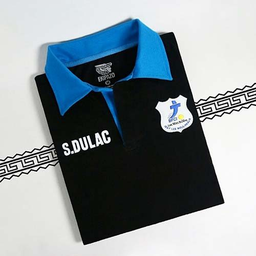 Polo personnalisé noir et bleu ekipazo