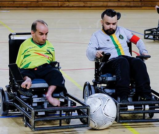 Duel joueurs Foot-fauteuil